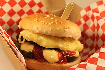 Cheeseburger Pannenkoekenhuis d'Olle Smidse Midwolda